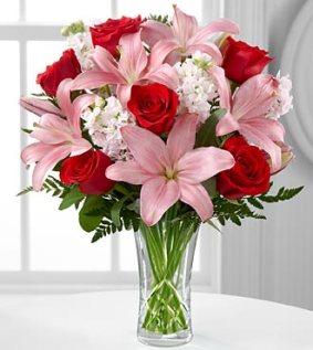 AVB - FTD Anniversary Bouquet