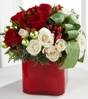 B14-4356_330x370_deluxe - FTD Merry & Bright Bouquet