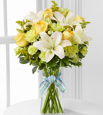 D7-4905 - FTD Boy-oh-boy bouquet