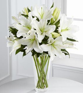 S4-4443 - FTD Light in your honor bouquet