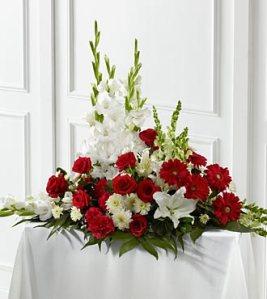S44-4541 - FTD Crimson & White arrangement