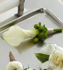W7-4625 - FTD White Calla Boutonniere